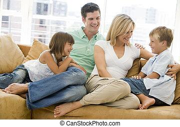 vida, sonriente, habitación, familia , sentado