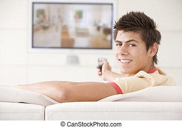 vida, televisión, habitación, mirar, hombre sonriente