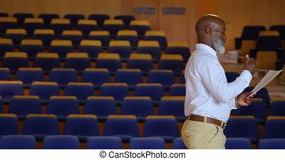 vide, africaine, pratiquer, auditorium, américain, homme affaires, 4k, parole