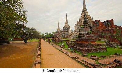 Video 1080p - Panorama of Wat Phra Si Sanphet temple. Thailand, Phra Nakhon Si Ayutthaya Province