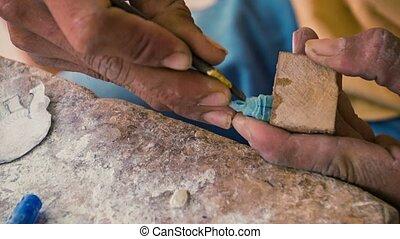 Video 1920x1080 - Making miniature stone figurine. workshop...