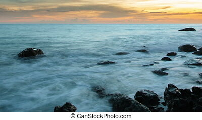 Fantastic sea surf in the evening - Video 1920x1080p -...