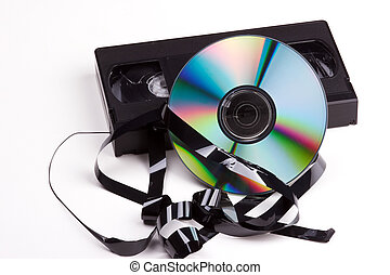 Video contra DVD - abstract contrast between video cassette...