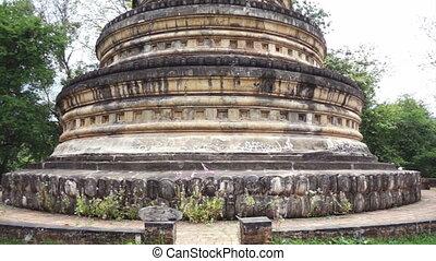 Video of old and vintage Thai buddhist pagoda stupa