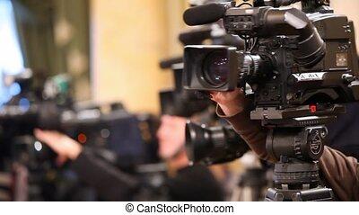 videocamera, ajustement, haut, opérateur, mains, fin, sien