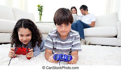 videospiele, boden, kinder, liegen, spielende