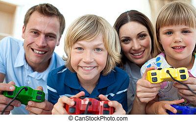 videospiele, lächeln, spielen zusammen, familie