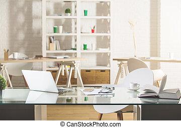 vidrio, escritorio, con, computador portatil