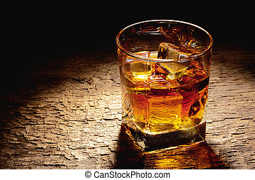 vidrio, hielo, whisky