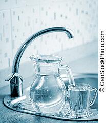 vidrio, jarra, y, taza, con, agua