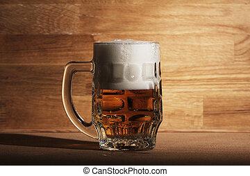vidro cerveja, sobre, madeira, superfície