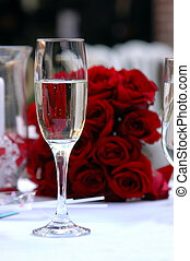 vidro champanhe, rosas