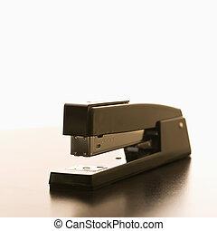vie, encore, stapler.