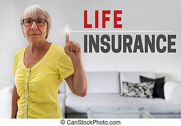 vie, femme, touchscreen, montré, personne agee, assurance