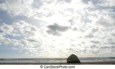 vie, plage., nature., solitaire, tente, storm., concept, écologie, 4k, temps, style, vie, défaillance, sablonneux, homme
