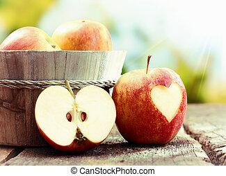 vie, pomme, mûre, encore, exposer, rouges