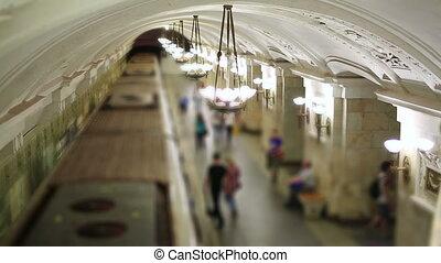 vie quotidienne, moscou, métro, passagers