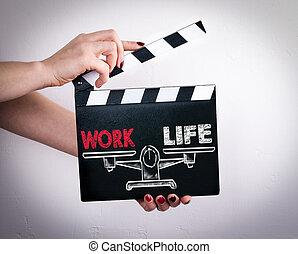 vie, tenue, battant, film, travail, balance., femelle transmet