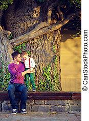 vieil arbre, père, fils, devant, portrait