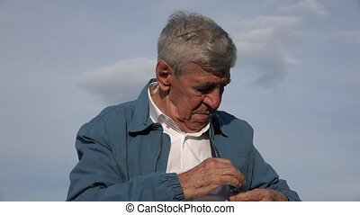 vieil homme, distrait, alzheimers