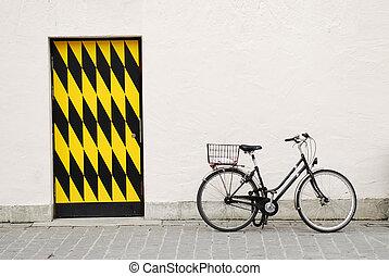 vieille ville, vélo, againtst, a, grand mur, à, porte