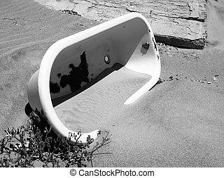 viejo, baño, en la arena