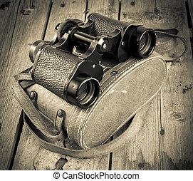 viejo, binoculares, filtrado