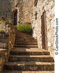 viejo, castillo, escaleras