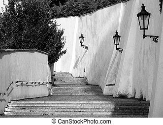 viejo, castillo, escaleras, en, praga, castle., medieval, escalera, con, vendimia, lámparas, praga, república checa