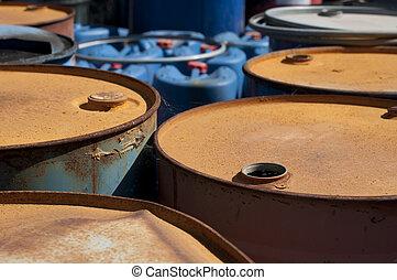 viejo, coloreado, barriles, para, aceite, productos