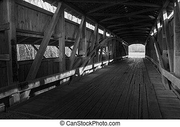 viejo, cubierto, de madera, puentes, interior