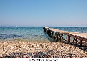 viejo, embarcadero, sendero, muelle, y, el, sea., piedras, playa., aventura, viaje, concept., salvaje, playa., espacio de copia
