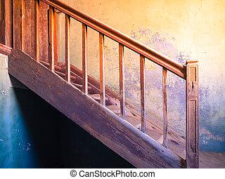 viejo, escalera, en, arruinado, y, abandonado, house.,...