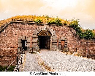 viejo, fortificación, puerta, en, terezin, república checa