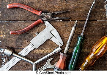 viejo, herramienta, renovación, en, madera, tabla