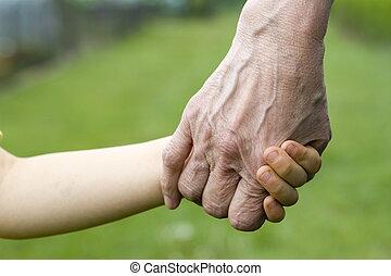 viejo, joven, manos