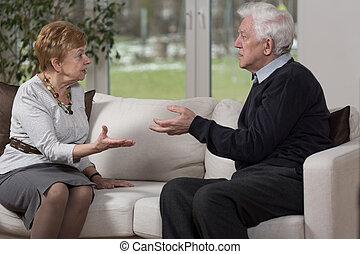 viejo, pareja, discusión
