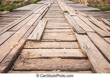 viejo, puente de madera, a través de, el, canal