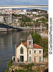 viejo, ribera, iglesia, en, portugal