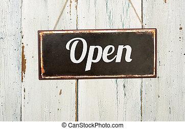 viejo, signo metal, delante de, un, blanco, pared de madera, -, abierto