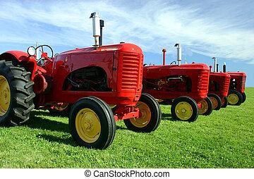 viejo, varios, tractores
