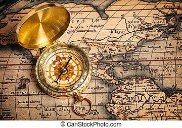 viejo, vendimia, dorado, compás, en, antiguo, mapa