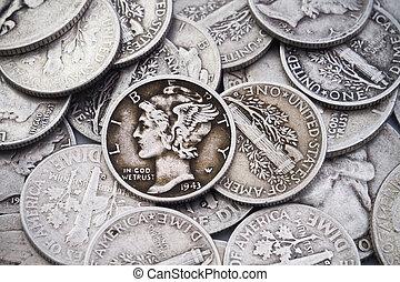 viejo, y, cuartos, pila, plata, monedas de diez centavos