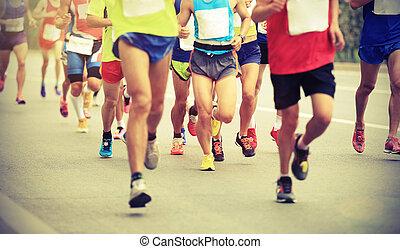 viele, marathonläufer, rennender , auf, stadt- straße