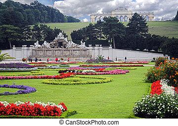 Vienna schrobrunn Garden with Neptune Fountain and Gloriette