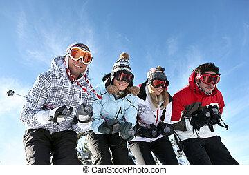 vier, feiertag, friends, ski fahrend
