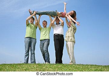 vier, friends, haben, hoben, der, m�dchen, aufwärts