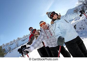 vier, friends, ski fahrend