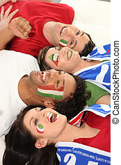 vier, italiaanse , voetbalsupporters