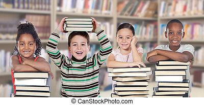 vier kinderen, in, de, bibliotheek